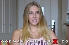 Пьер Вудман грубо трахает очень красивую блондинку во время секс кастинга