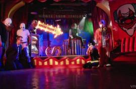 Джокер трахает телку в костюме Бэтмена, Пенни Пакс (Penny Pax)