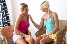 Зоя и Лола лесбиянки