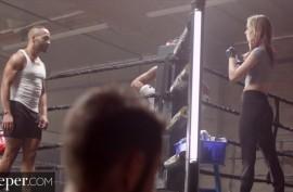 Боксеры  делят Хейли на двоих, Хейли Рид  (Haley Reed)