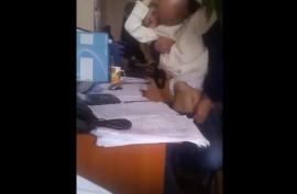 Русское  развлечение в офисе с секретаршей Машей на столе