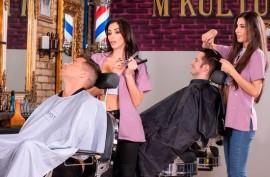 Девочки парикмахерши ебутся с  клиентами