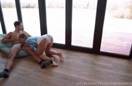 Девушка размялась йогой и трахнулась с парнем