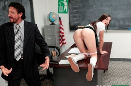 Препод решил преподать своей молодой студентке особенный страстный урок