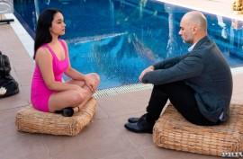 Красотка сексопатолог лечит сексом клиента
