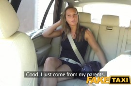 Натурой за проезд в такси молодой шмоньке пришлось рассчитываться