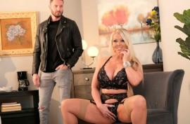 Опытная мамаша Алура наслаждается с членом мужика,  Алура Дженсон (Alura Jenson)