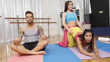 Кендра Спейд и Отэм Фолс пришли на йогу но соблазнили инструктора