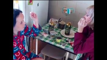 Питерская разборка двух пьяных баб, русское