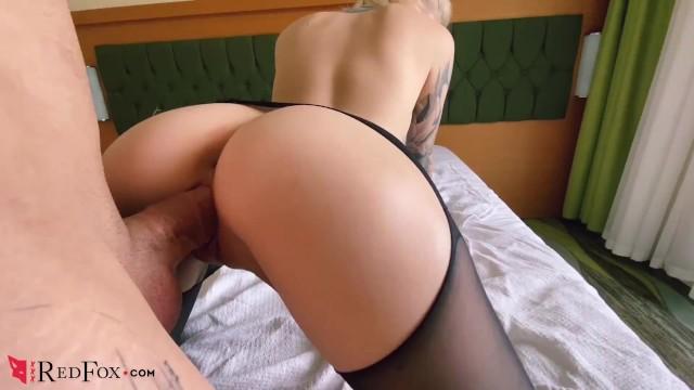 Любительский секс с малышкой в колготках