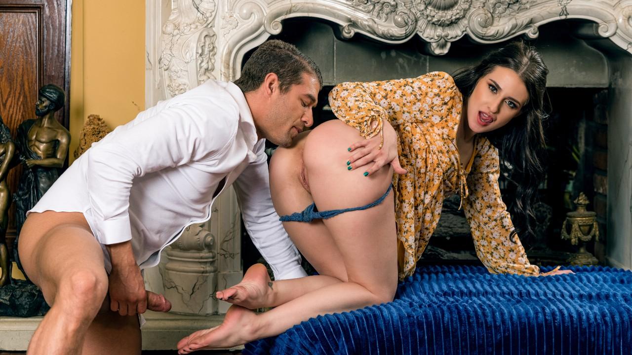 Ксандер Корвус и его страстная подружка Обри Валентайн занимаются возбуждающим сексом