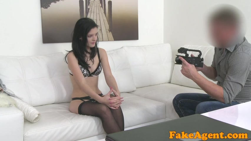 Кастинг для молодой, развратник на камеру драл милую самку