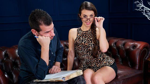 Французская зрелая брюнетка Тиффани Долл ублажила своего нового любовника