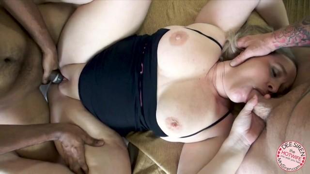 Пухлая дама развлекается с двумя любовниками