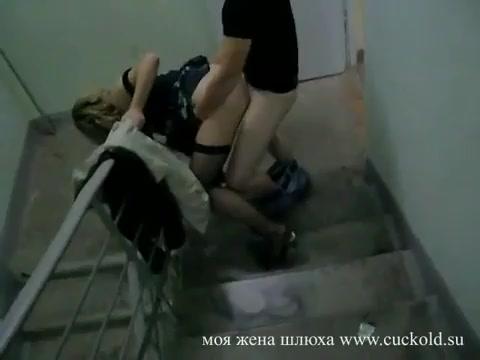 olesya-devushku-iz-klipa-seks-v-podezde-molodoy-paren-trahaet-vzrosluyu-zhenshinu-popku-i-konchaet-vnutri
